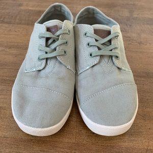 Toms shoes NWOT